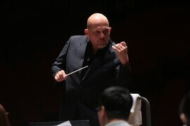 Music Director Jaap van Zweden and the HK Phil Open the 2019/20 Season with Major Romantic Works by Rachmaninov, Mahler and more  Featuring top soloists Korean pianist Seong-Jin Cho and German baritone Stephen Genz JAAP!: Season Opening: JAAP | Seong-Jin